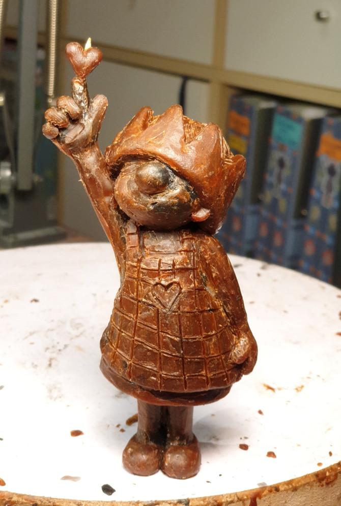 Noooch ist die kleine Schnuggimaus aus Wachs, aber verliebt bin ich trotzdem schon... ;-)