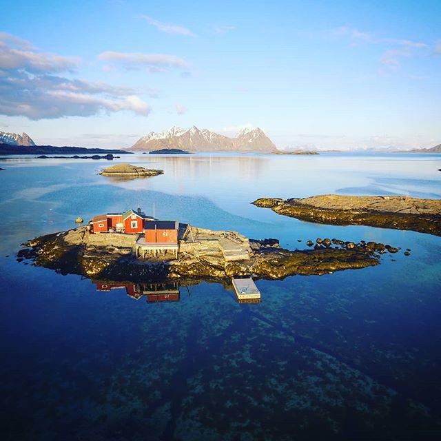 Exotic little islet_._.jpg
