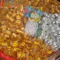 Myanmar Feste Souvenirs und Glitzerkram