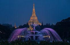 Shwedagon nach Sonnenuntergang