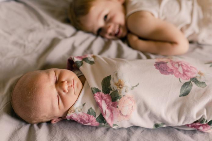 Minneapolis Newborn Photographer.jpg