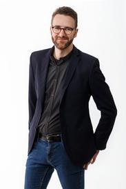 #18 Simon Steioff