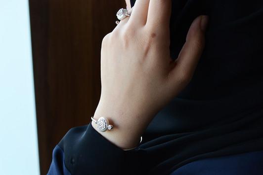 The Fallen Pearls - اللؤلؤ المنثور