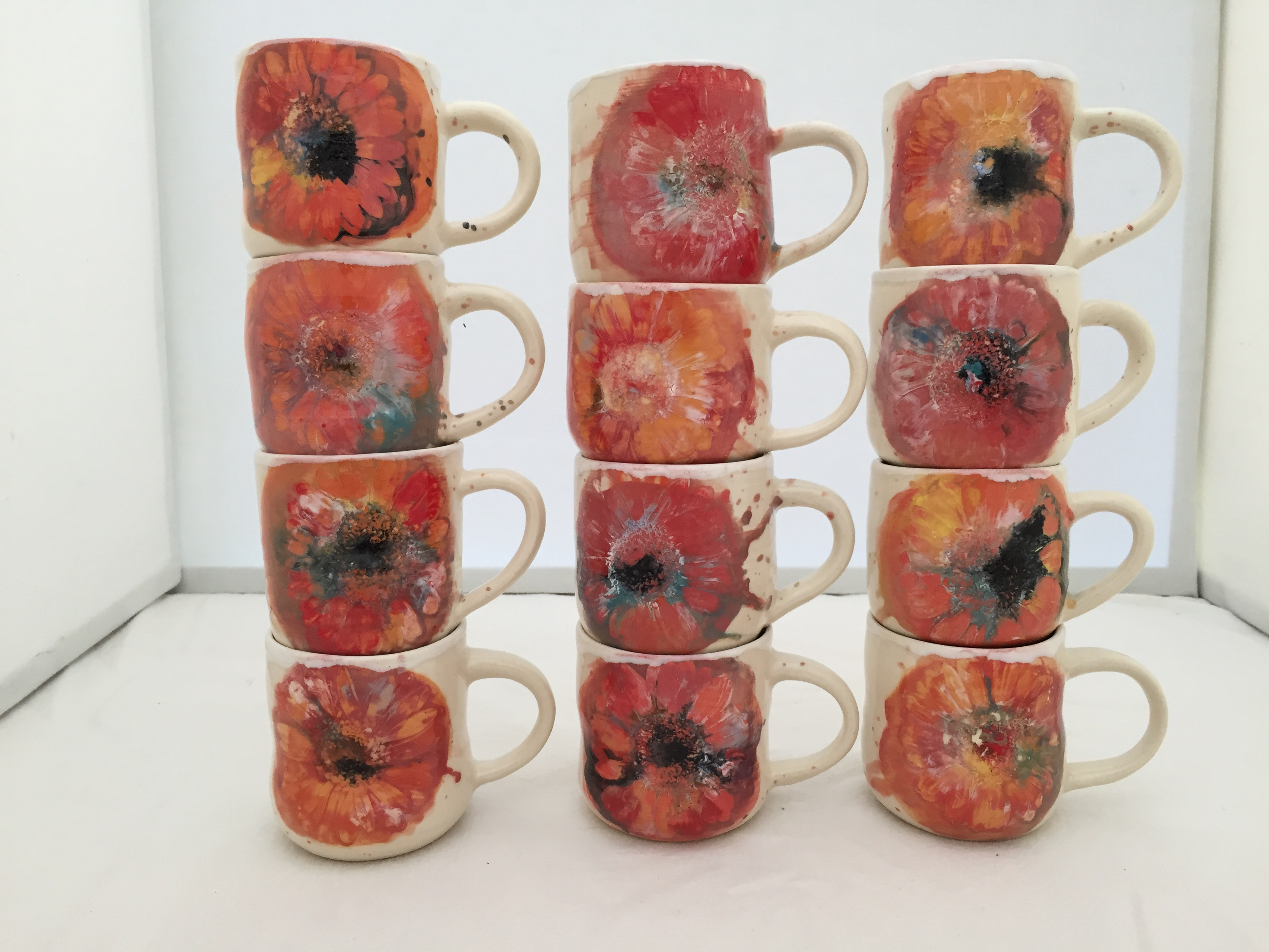 tiny daisy mugs