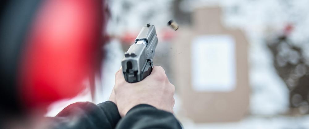 Shooting Guns   Razorback Armory   St. Louis Missouri