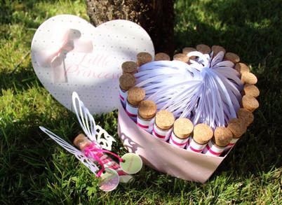 Etiquettes et ailes papillons pour tubes dragées