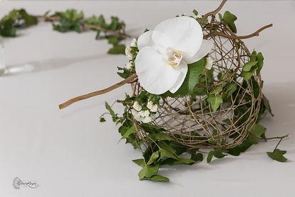 Décoration mariage Tout nateurellement en vert, bois, chocolat et orchidées