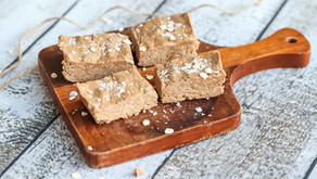 CINNAMON ROLL PROTEIN BARS