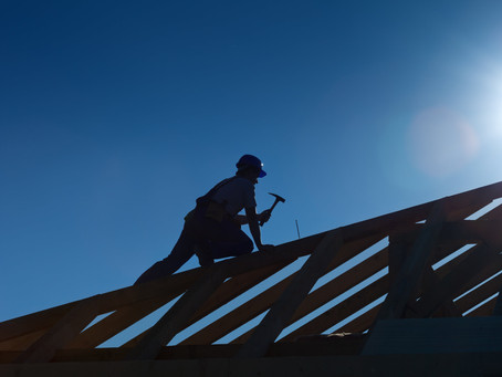 Avoid These Mistakes When Hiring a Roofer
