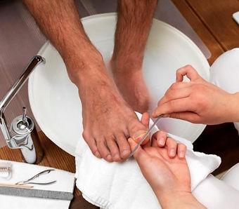 foot groom.jpg