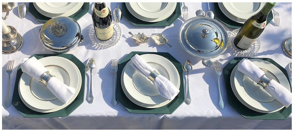setting the table with Grand Art de Vivr