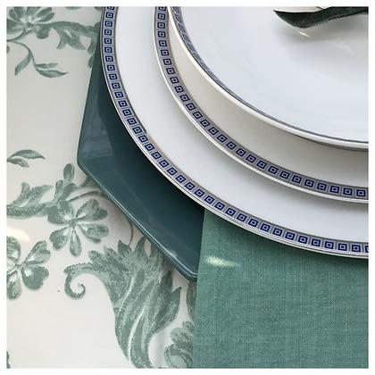 ANNE DE SOLENE, nappe ovale et 8 serviettes de table