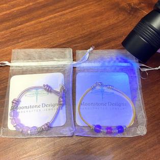 UV Light Color Change Bracelet