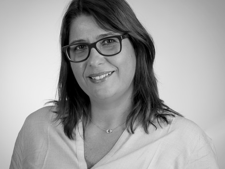 """La série """"L'Assurance Responsable"""" présente """"L'Experte"""" incarnée par Sabine ORLANDINI"""