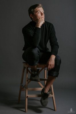 Professional actors headshots and portfolio in Denver