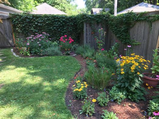 Landscape design and flower installation in Evanston, IL