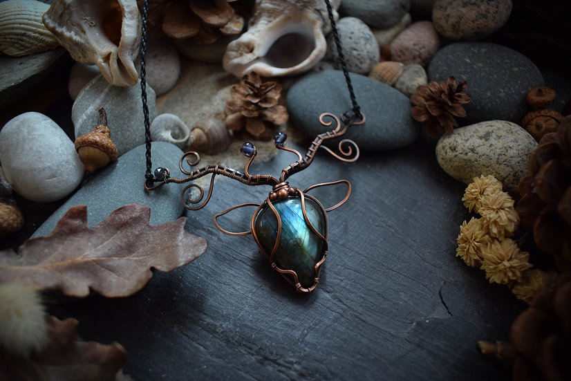 Collier ~Cernunnos~ Labradorite bleue & Cuivre Patiné