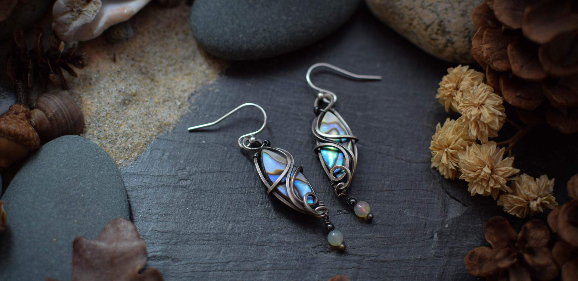 Boucles d'Oreilles ~Fragment de la Toge de Saroumane le Multicolore ~ Abalone & Silver Filled