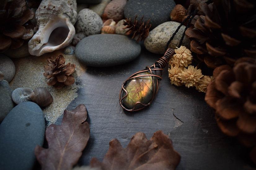 Talisman runique ~Elska~ Labradorite & Cuivre Patiné
