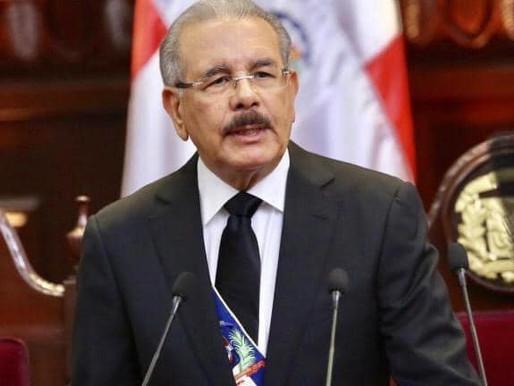 Presidente llama a políticos y líderes de opinión a mantener la cordura ante suspensión  elecciones