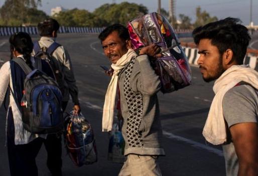 Encierro por coronavirus en la India se convirtió en una tragedia humanitaria