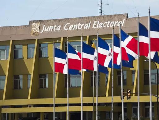Misión de la Uniore llega a la JCE para investigación técnica al voto automatizado