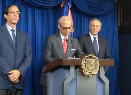 Gobierno pide a la Procuraduría suspender investigaciones contra coronel y técnico de Claro