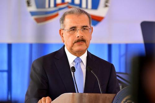 Danilo Medina convoca para hoy al Consejo de Ministros