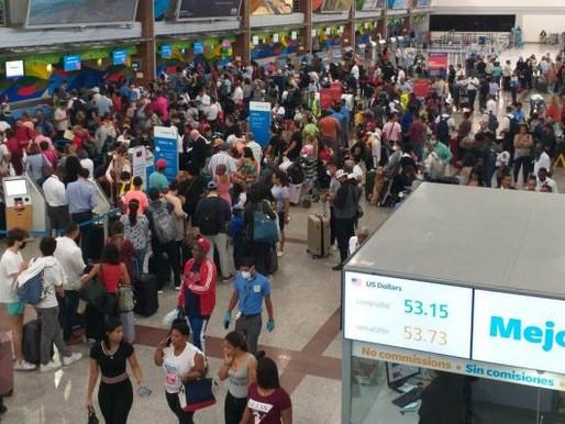 Sube el flujo de viajeros en el AILA un día antes de cierre de aeropuertos