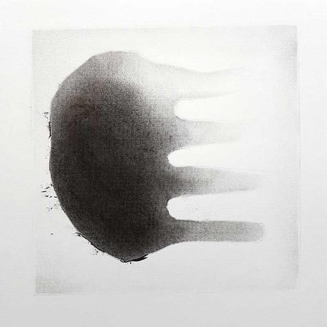 2017 | intramonde 4 | fusain et graphite sur papier | 40x30