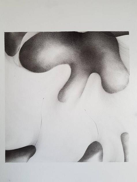 2017 | intramonde 2 | fusain et graphite sur papier | 40x30