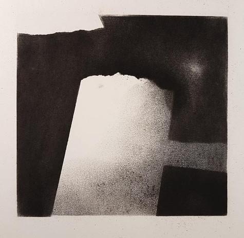 2017 | fusain et pierre noire sur papier | 10 x 10