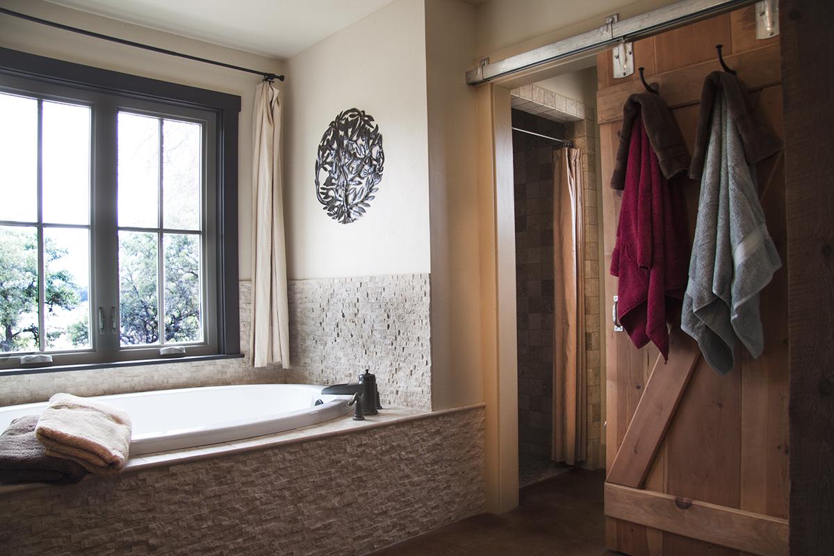 Paloma Bathroom