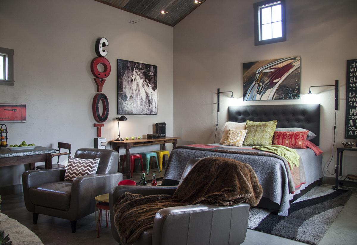 Coyote Living/Bedroom