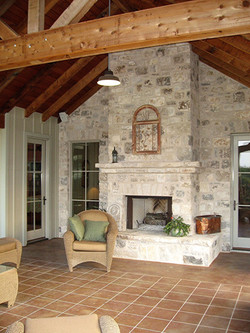 Outdoor Fireplace/Living