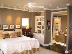 Master Bedroom w/Sitting Rm