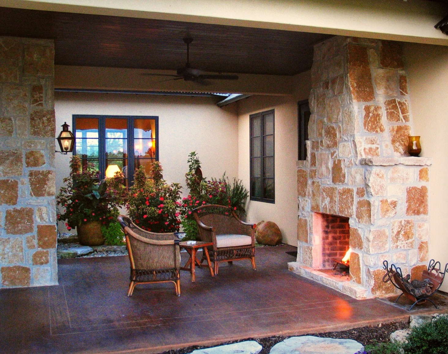 Outdoor Living & Fireplace
