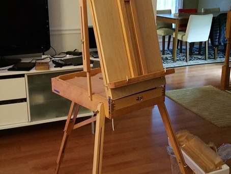 I got a new easel!!!!!
