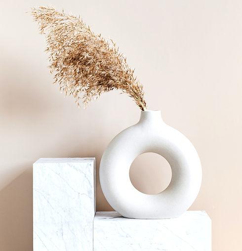 brown-plant-on-white-ceramic-vase-420789