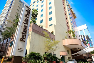 Hotel - frente.jpg