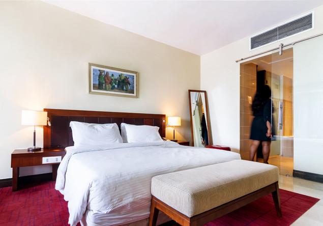 URAGA REAL ESTATE_Radisson Blu Hotel_35.