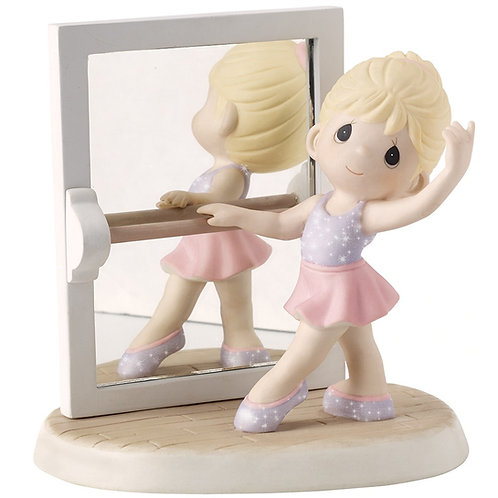 Precious Moments Figurine: True Beauty Is Reflected From The Heart