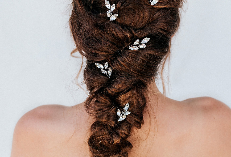 """April"" Bridal Hair Pin"