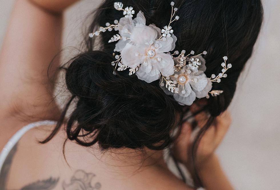 """""""Daphne"""" Chiffon Flower Pin Set"""