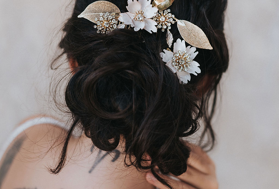 """Estrella"" Flower Hair Comb Set"