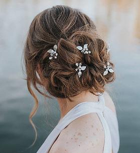 Ariana Leaf Bridal Hair Pins 6.jpg