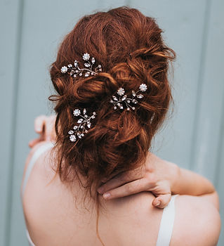 Delilah Flower Beaded Bridal Hair Pin 2.