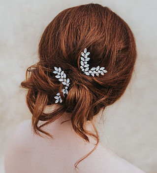 Genevieve_rhinestone_bridal_hair_pin_4.j