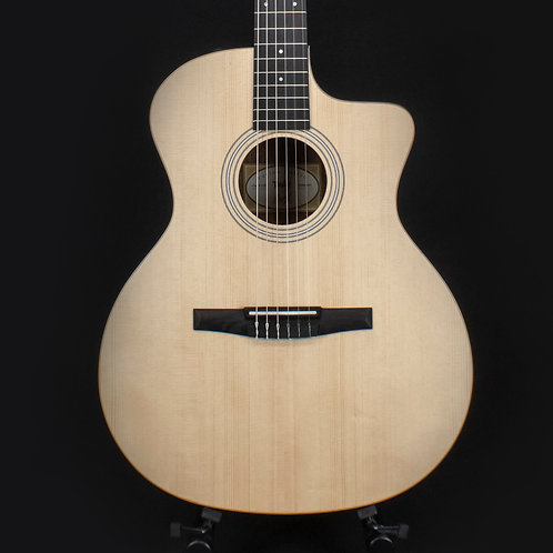 Taylor Limited Edition 114ce-N - Natural w/ Ovangkol Back & Sides