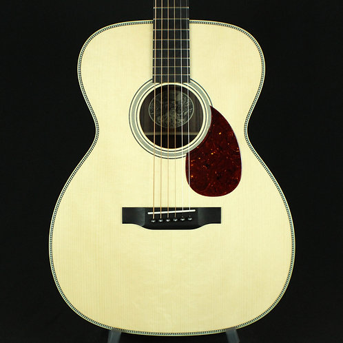 Collings OM2H Orchestra Model, Adirondack Spruce Top